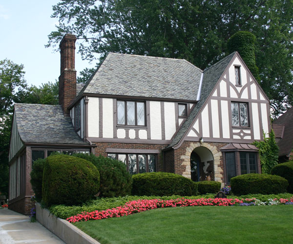 10 reasons why i love old tudor-styled homes