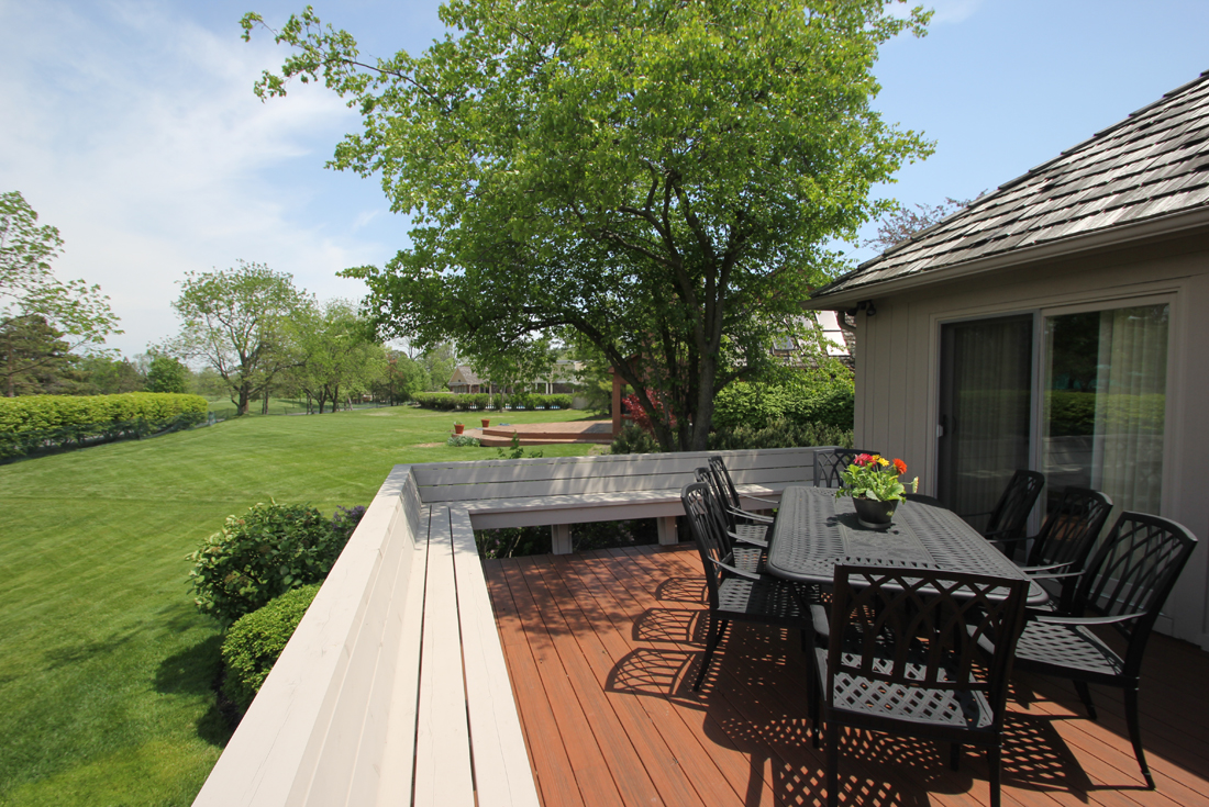 outdoor living deck built in seating